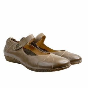 TAOS TAUPE MARY JANES